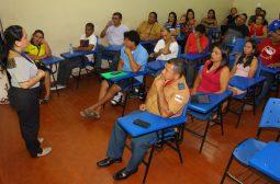 Amazonastur capacita prestadores de serviços para melhor atender o turista em Parintins