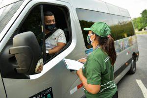 Trinta veículos são abordados em ação de combate ao turismo ilegal