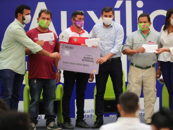 Wilson Lima inicia entrega do Auxílio Estadual para mais de mil profissionais do Esporte, Turismo e Cultura